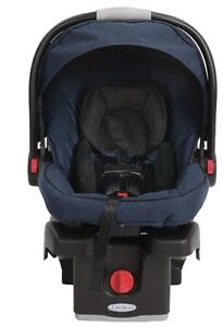 Graco Infant Car Seat Carrier and base