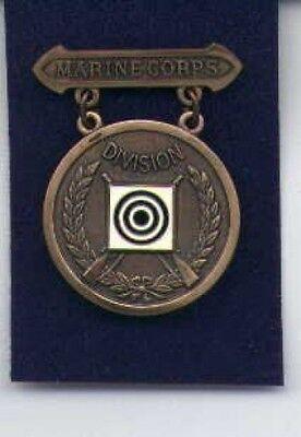 US Marine Division Rifle Shot badge in bronze USMC