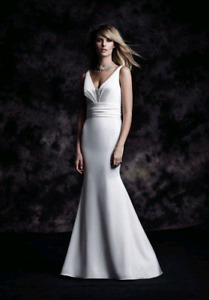 Paloma Blanca 2017 wedding dress size 10 (street size 6-8)
