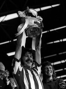 Bobby-Kerr-Sunderland-1973-FA-Cup-Winners-10x8-Photo