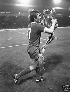 Liverpool-Legend-Kenny-Dalglish-Running-10x8-Photo