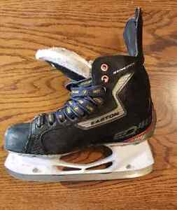 Easton synergy eq40 size 6.5 EE hockey skates