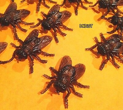 Bug Toys (lot of 7 toy iNSeCt BuG fly FLiES Horsefly plastic crEEpy PEST realistic)