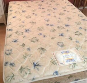 Clean Double Bed DELIVERY (mattress and boxspring)