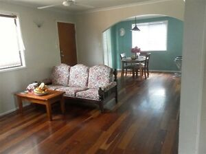 Male only!One bedroom available in a three bedrooms house. New Auckland Gladstone City Preview