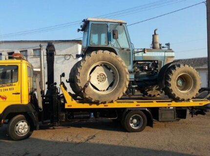 transport tow truck Service cars and Machinery and tilt try Service