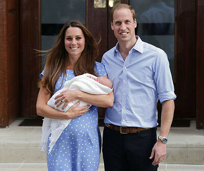 Catherine, Duchess of Cambridge & Prince William UNSIGNED photo - H5897