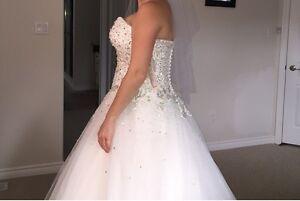 Beautiful Ronald Joyce Wedding Dress! Peterborough Peterborough Area image 3