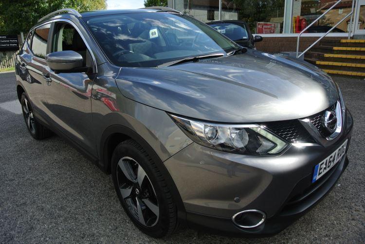 2014 Nissan Qashqai 1.2 DiG-T N-Tec+ Xtronic Automatic Petrol Hatchback