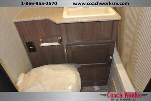 2015 Solaire 28 QBSS Bunk Bed Travel Trailer  Edmonton Edmonton Area image 14