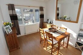 LOVELY 3 BEDROOM FIRST FLOOR DUPLEX MAISONETTE WITH A SECTION OF GARDEN IN THE N11 AREA