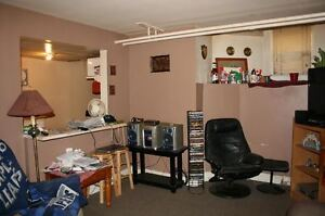 1 BEDROOM PET FRIENDLY CLOSE TO DAL, SMU, HOSPITALS & DOWNTOWN