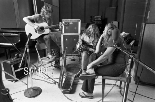 "🎼 Early LYNYRD SKYNYRD 8x10""photo - RONNIE VAN ZANT!! In the studio!"