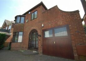 LARGE 3 BED DETACHED HOUSE **AVAILABLE NOW**