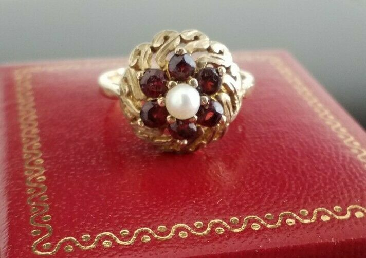 BEAUTIFUL ANTIQUE VINTAGE 9CT GOLD GARNET & CULTURED PEARL RING SIZE O HALLMARKS