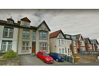 2 bedroom flat in Holland Road, Wallasey, CH45 (2 bed)