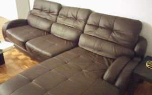 "Canape en 'L' cuire brun - ""L"" shaped brown leather couch"