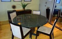 Table ronde en granite