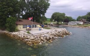 Lakefront Cottage near Point Peele for rent