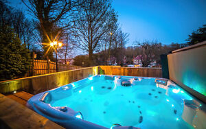 SOUTH SEAS 748L | FACTORY HOT TUBS | Showroom Clearance Sale !!!