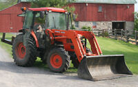 65 HP Diesel KUBOTA M5700 Tractor with Loader & Cab 4WD 3Pt PTO