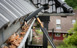 Eaves Troughs Cleaning – Gutter Cleaning