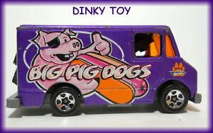 DINKY TOY ( Van ) -- Big Pig Dogs