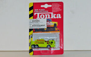 Tonka Airport Emergency Services Fire Truck 1:64 Scale Diecast