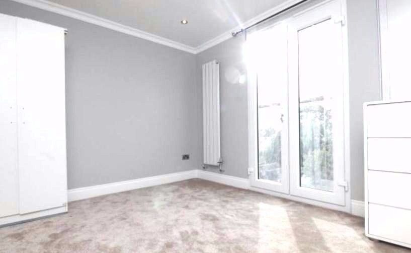1 BED FLAT/STUDIO IN SHARED HOUSE, SEPARATE BATHROOM LIVING DINING KITCHEN