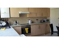 A LARGE & VERY SPACIOUS DUBLEX FOUR BEDROOMED FLAT TO RENT IN S10. FOR STUDENTS & PROFESSIONALS