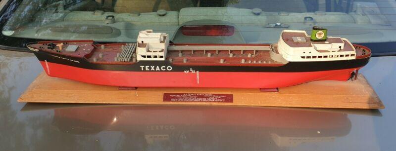 """S.S. Texaco North Dakota Tanker Oil Ship 27"""" Model Kit (1953) w/ Base"""