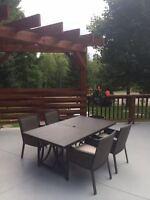 Table et chaise de patio- Flambant neuf!