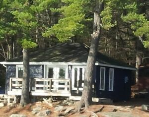 Lakefront Cottage Rental - Harris Lake