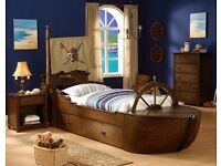 Pirate of the Caribbean pirate ship storage bed £300 ovno