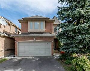 Spacious 2-Storey Over 3000 Sq Ft in Newmarket