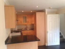 ***MODERN 3 BED HOUSE TO LET***PRIVATE GATED DEVELOPMENT CLOSE TO HITHER GREEN STATION***