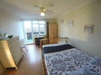 60 Sec from Station * Zone 1/2 * Balcony --- COUPLE FRIENDLY * BETTER BOOK IN ADVANCE !!