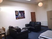 Zone 2 - Cheap !! LIVING ROOM == 1 Bed in Massive Triple Room * 2 SOFAS!*