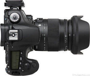 Sigma Zoom Lens (18-200mm) for Canon EOS Camera
