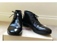 Peter Werth size 8 black leather boots