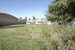 RARE FIND: Double inner city lot Prince George, zoned RM4 Prince George British Columbia image 2