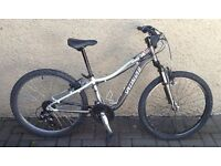 "Bike/Bicycle.UNISEX SPECIALIZED "" HOT ROCK 24 "" MOUNTAIN BIKE. SUIT 9-12 YEARS"