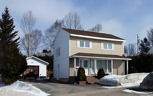 Beautiful Centrally Located Detached 2 Storey