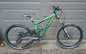 Turner DHR Downhill Bike