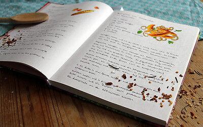 Von Schupfnudeln bis Ente à l'Orange: Im persönlichen Kochbuch finden alle ihre Lieblingsrezepte Platz. (© Sina Huth)