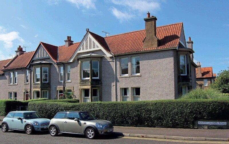 An upper villa located within one of Edinburgh's