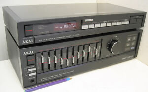 Akai AM-A200 Amplifier and AT-A200 AM/FM Tuner