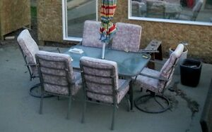 Patio table and 6 chairs for SALE