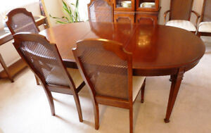 Deilcraft Dining Table, Dining set