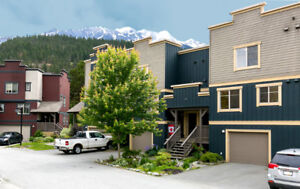 **PRICE DROP** Don't miss out!2BR 2Bath in Heart of PEMBERTON BC